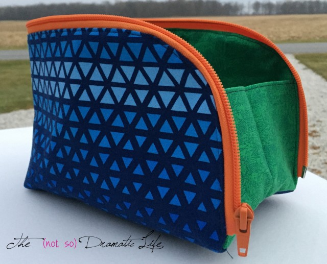 Triangle Print Open Out Box Pouch open